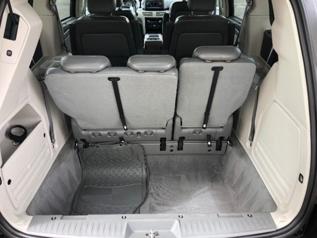 2009 Volkswagen Routan SEL LINDON, UT 35