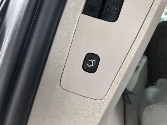 2009 Volkswagen Routan SEL LINDON, UT 36