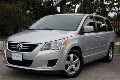 2009 Volkswagen Routan SEL w/RSE in , Texas