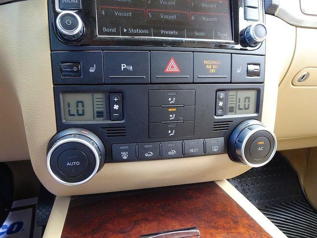 2009 Volkswagen Touareg 2 V6 Madison, NC 21