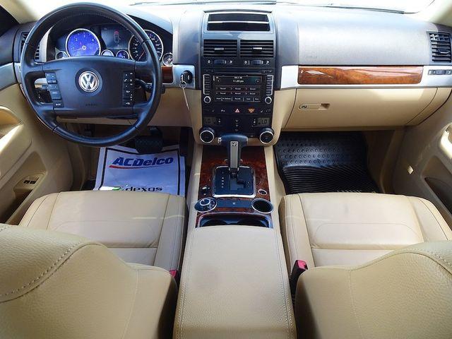 2009 Volkswagen Touareg 2 V6 Madison, NC 35