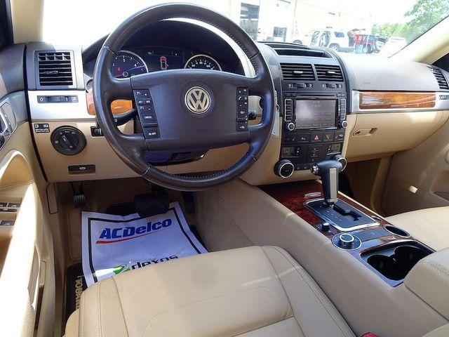 2009 Volkswagen Touareg 2 V6 Madison, NC 36