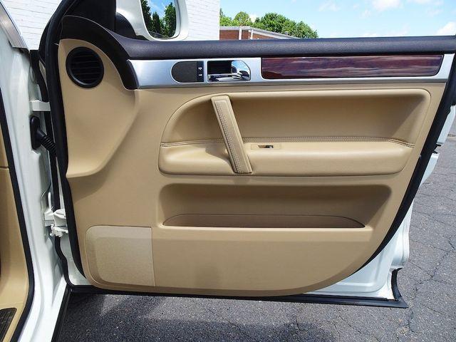 2009 Volkswagen Touareg 2 V6 Madison, NC 38