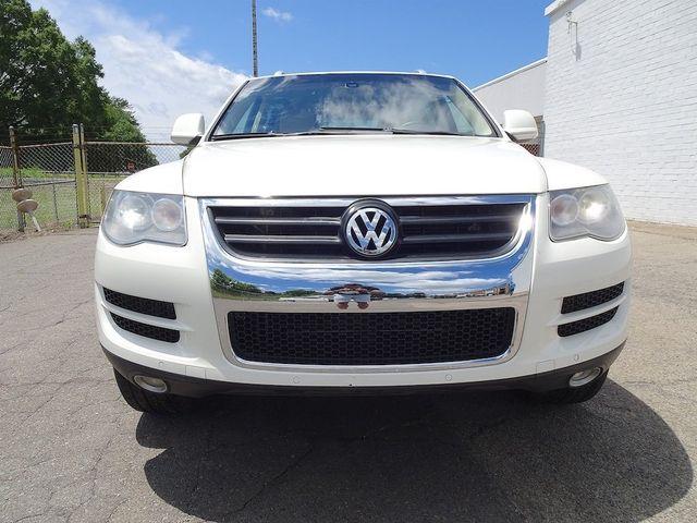 2009 Volkswagen Touareg 2 V6 Madison, NC 7