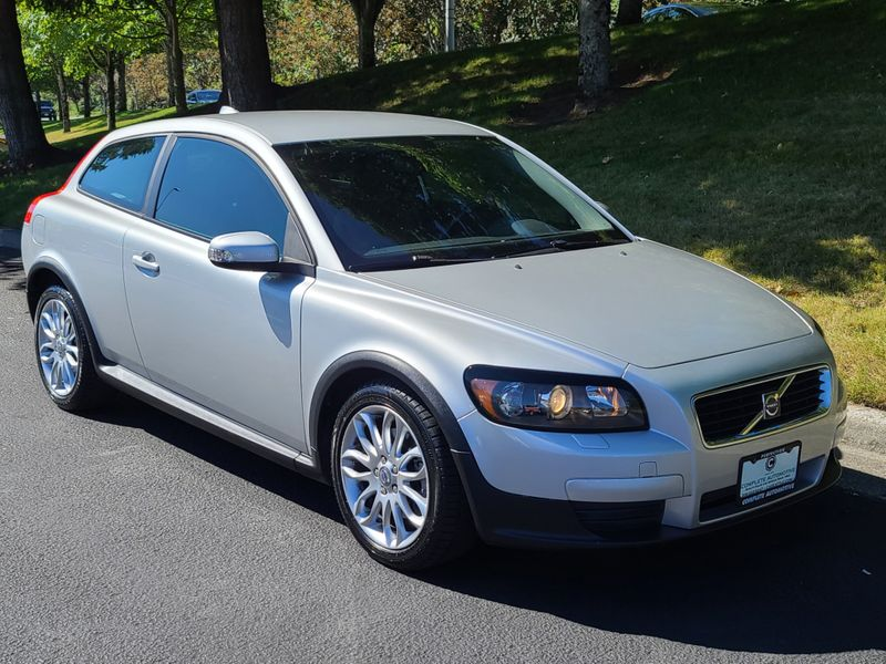 2009 Volvo C30 T5 Hatchback  3 Owner Great History Very Nice New Timing Belt   city Washington  Complete Automotive  in Seattle, Washington