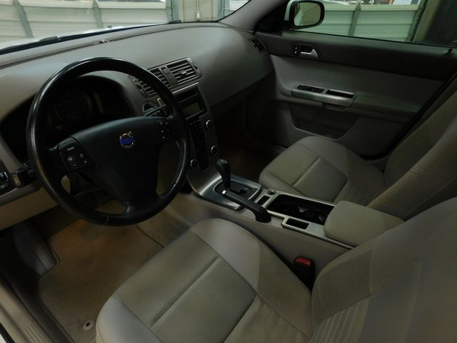 2009 Volvo S40 2.4L in Airport Motor Mile ( Metro Knoxville ), TN 37777