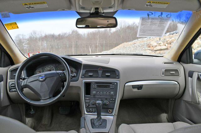 2009 Volvo S60 2.5T w/Sunroof Naugatuck, Connecticut 18
