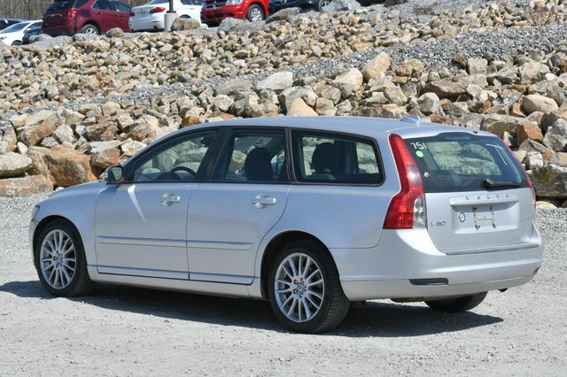 2009 Volvo V50 2.4L Naugatuck, Connecticut 4