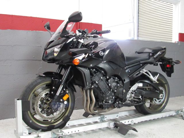 2009 Yamaha FZ1 in Dania Beach , Florida 33004
