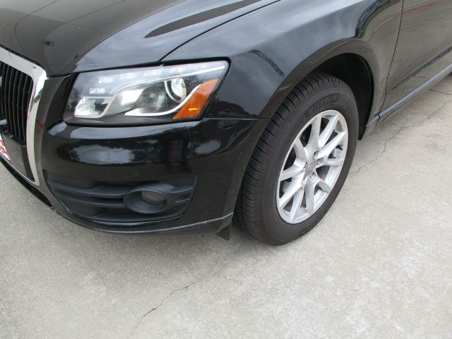 2010 Audi Q5 Loaded XClean Premium Plus in Plano, Texas 75074