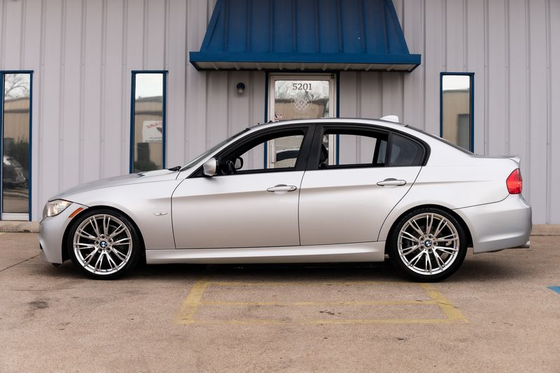 2010 BMW 328i NAV AUTO TRANSMISSION M WHEELS LEATHER NICE!!! in Rowlett, Texas