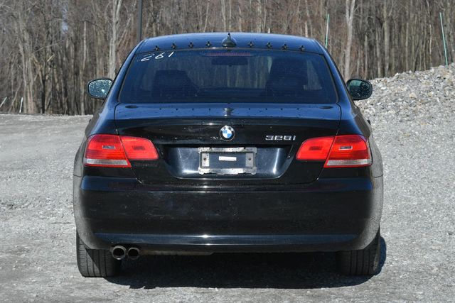 2010 BMW 328i xDrive Naugatuck, Connecticut 3