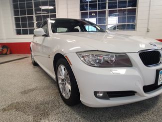 2010 Bmw 328 X-Drive, Extremely CLEAN AND  TIGHT. LIKE NEW! Saint Louis Park, MN 28