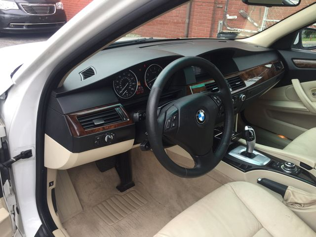 2010 BMW 528i New Brunswick, New Jersey 11