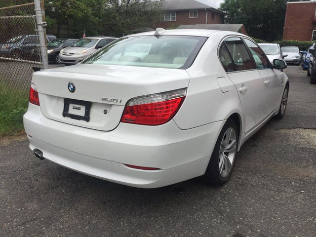 2010 BMW 528i New Brunswick, New Jersey 7