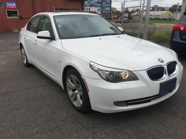 2010 BMW 528i New Brunswick, New Jersey 4