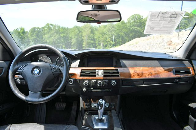 2010 BMW 528i xDrive Naugatuck, Connecticut 17