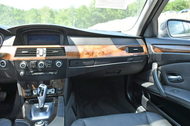 2010 BMW 528i xDrive Naugatuck, Connecticut 18