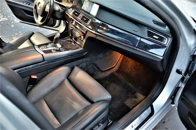 2010 BMW 750Li Reseda, CA 31