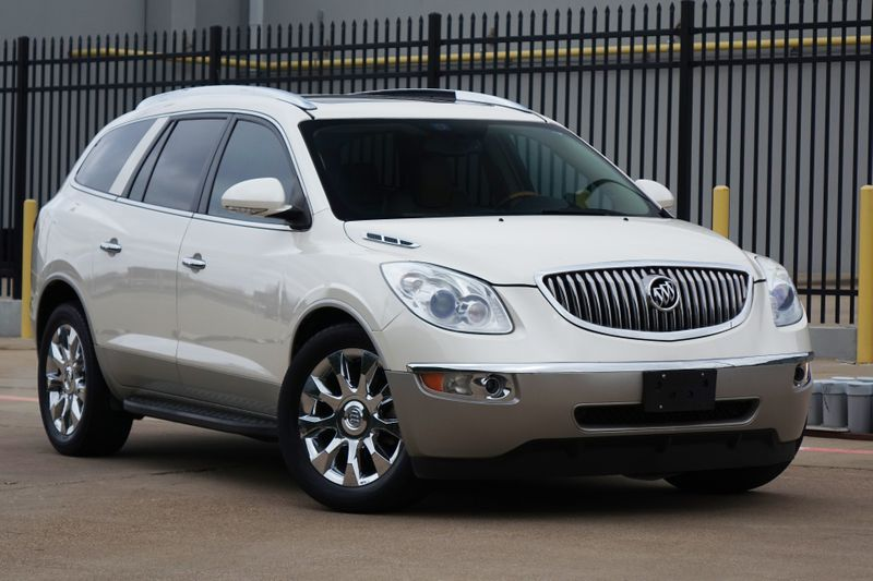 2010 Buick Enclave CXL w/2XL*Navigation*Sunroof*Leather*   Plano, TX   Carrick's Autos in Plano TX