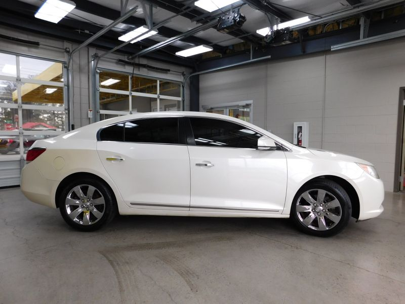 2010 Buick LaCrosse CXL  city TN  Doug Justus Auto Center Inc  in Airport Motor Mile ( Metro Knoxville ), TN