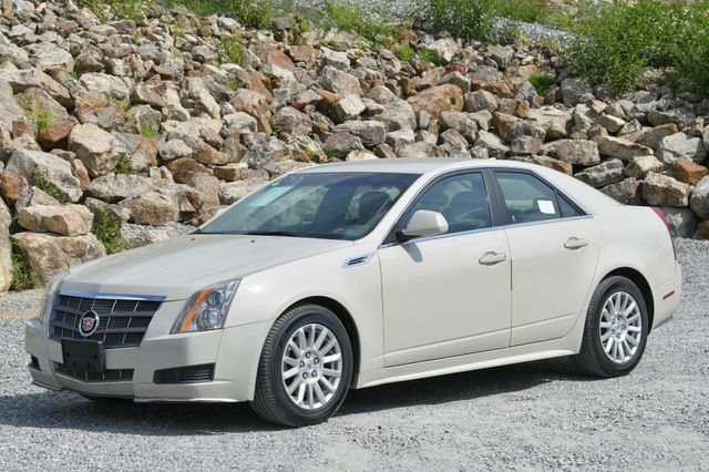 2010 Cadillac CTS Sedan Luxury AWD Naugatuck, Connecticut