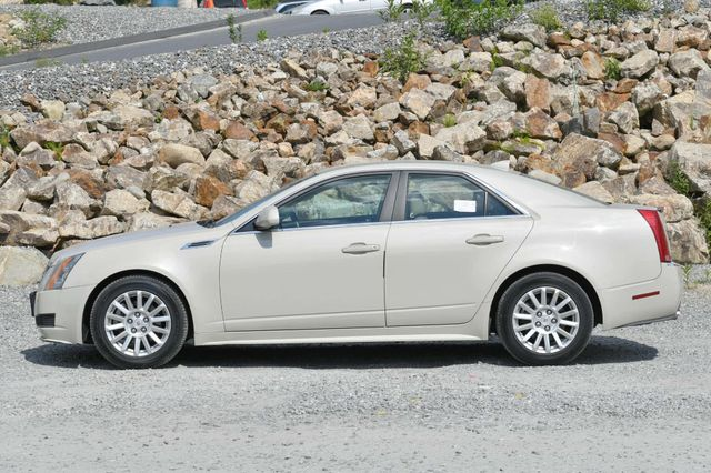 2010 Cadillac CTS Sedan Luxury AWD Naugatuck, Connecticut 1