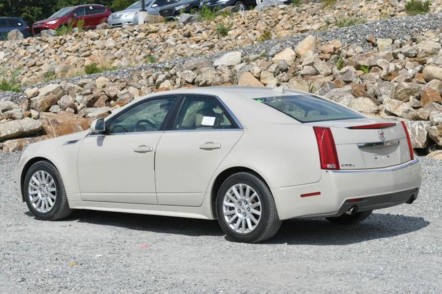 2010 Cadillac CTS Sedan Luxury AWD Naugatuck, Connecticut 2
