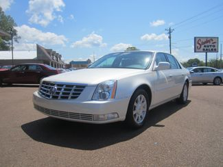 2010 Cadillac DTS w/1SA Batesville, Mississippi 3