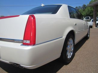 2010 Cadillac DTS w/1SA Batesville, Mississippi 13
