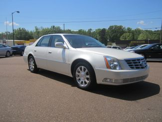 2010 Cadillac DTS w/1SA Batesville, Mississippi 2