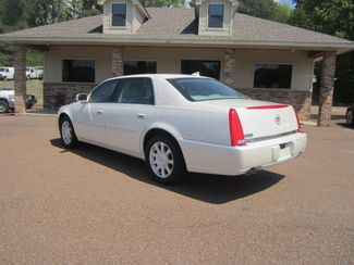 2010 Cadillac DTS w/1SA Batesville, Mississippi 7