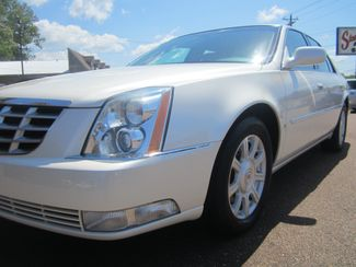 2010 Cadillac DTS w/1SA Batesville, Mississippi 9