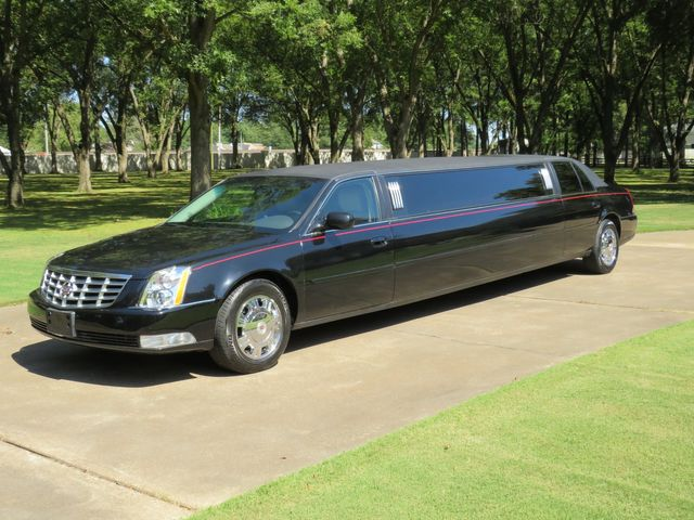 2010 Cadillac DTS Limousine
