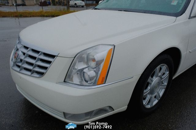 2010 Cadillac DTS / LUXURY w/1SA in Memphis, Tennessee 38115