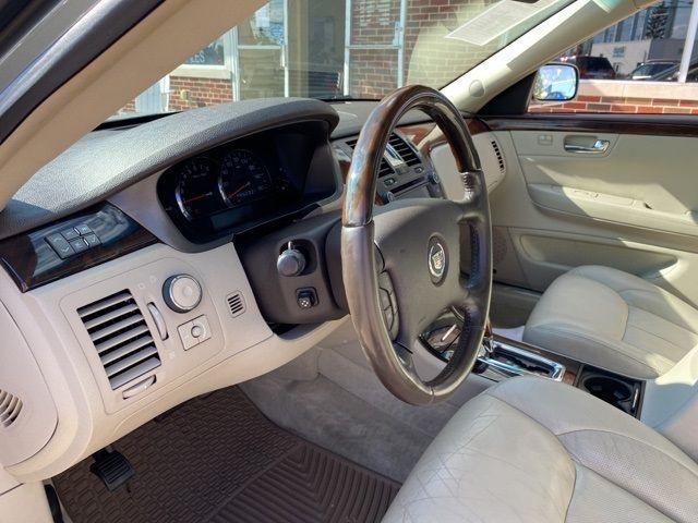 2010 Cadillac DTS Base in Medina, OHIO 44256