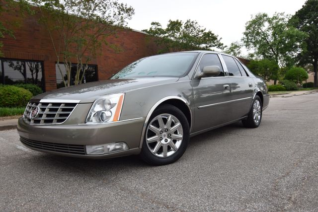 2010 Cadillac DTS w/1SD