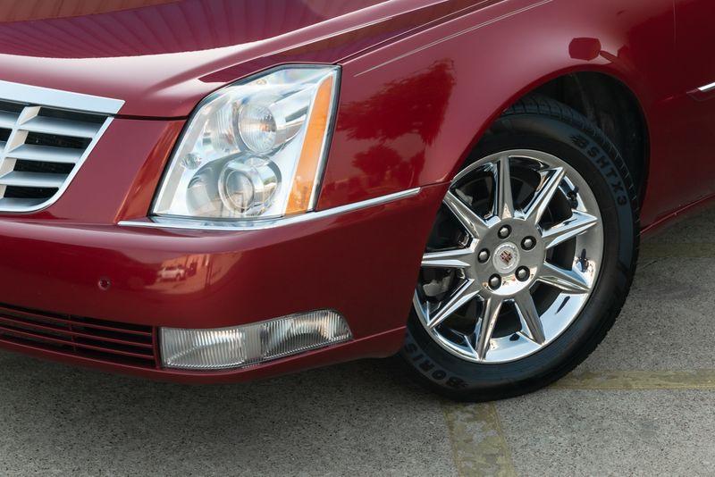 2010 Cadillac DTS w/1SC in Rowlett, Texas