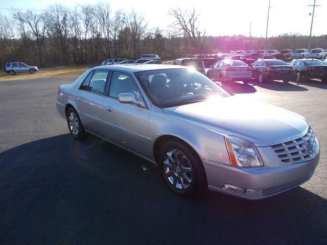 2010 Cadillac DTS w/1SD Shelbyville, TN 9