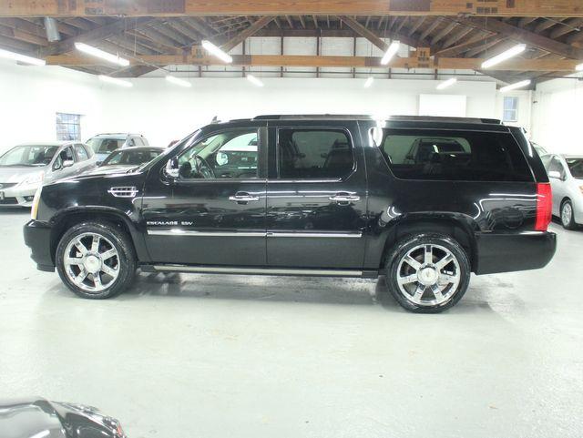 2010 Cadillac Escalade ESV Premium AWD Kensington, Maryland 1