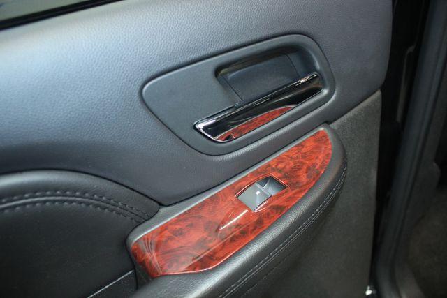 2010 Cadillac Escalade ESV Premium AWD Kensington, Maryland 26