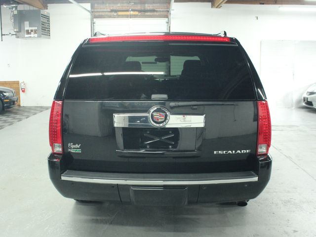 2010 Cadillac Escalade ESV Premium AWD Kensington, Maryland 3