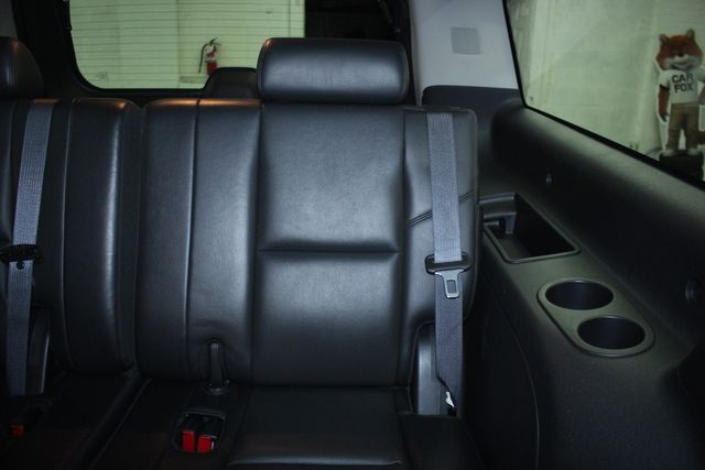 2010 Cadillac Escalade ESV Premium AWD Kensington, Maryland 36
