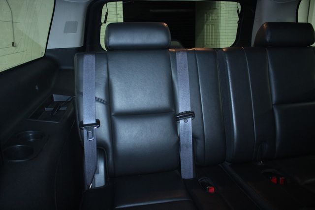 2010 Cadillac Escalade ESV Premium AWD Kensington, Maryland 41