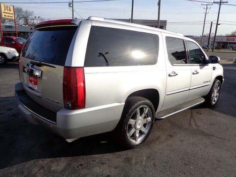 2010 Cadillac Escalade ESV Luxury | Nashville, Tennessee | Auto Mart Used Cars Inc. in Nashville, Tennessee