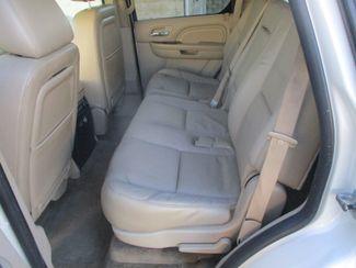 2010 Cadillac Escalade Luxury Farmington, MN 3