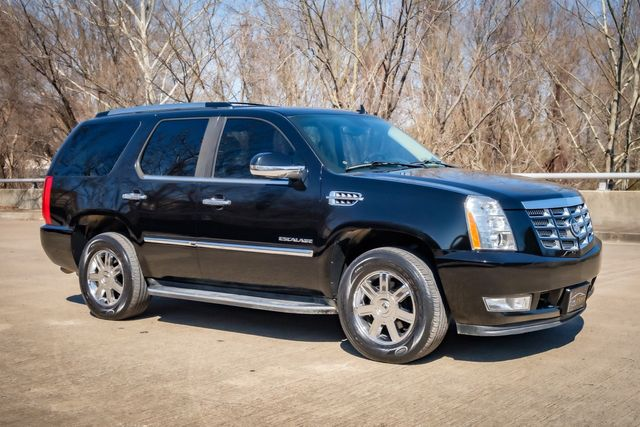 2010 Cadillac Escalade LUXURY/ SUNROOF in Memphis, Tennessee 38115