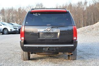 2010 Cadillac Escalade Luxury Naugatuck, Connecticut 3