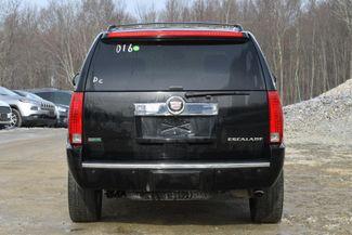 2010 Cadillac Escalade Premium Naugatuck, Connecticut 3