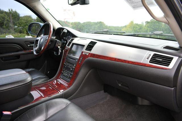 2010 Cadillac Escalade Luxury AWD Naugatuck, Connecticut 11